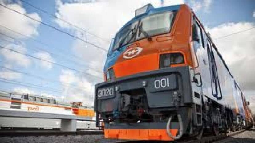 Alstom Tests 2ES5 Electric Freight Locomotive with Russian Partner TMH