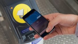 London Rail Passengers Can Now Use Apple Pay