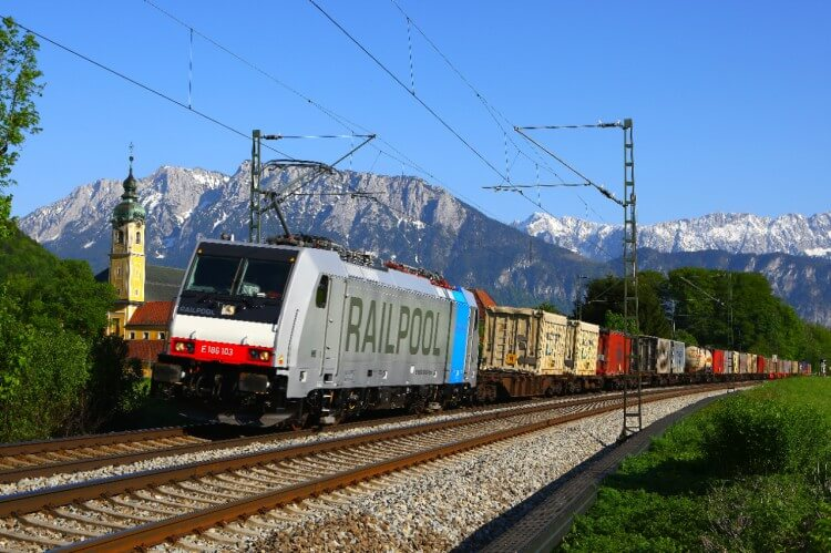 Bombardier Signs Framework Agreement with Railpool for 65 TRAXX Locomotives