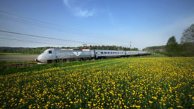 SJ X 2000 train in countryside