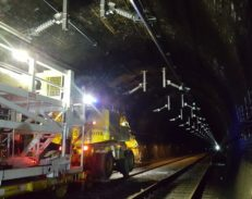 Installation of electrification equipment in the Severn Tunnel 1