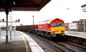 db-cargo-uk-train