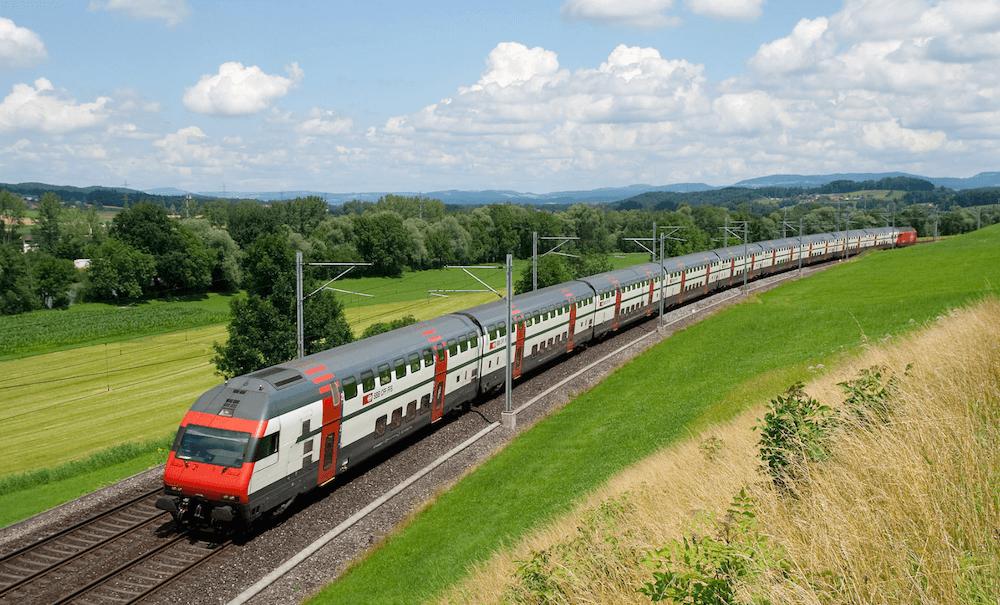 SBB-IC2000-Train