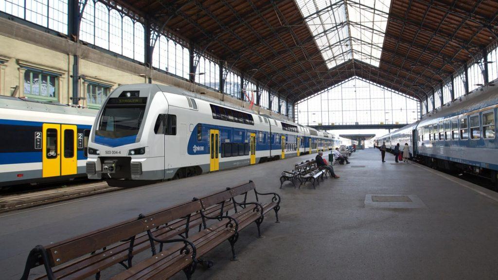 Double-Deck Trains