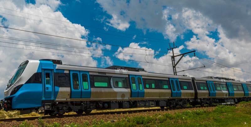 XTrapolis Mega Train