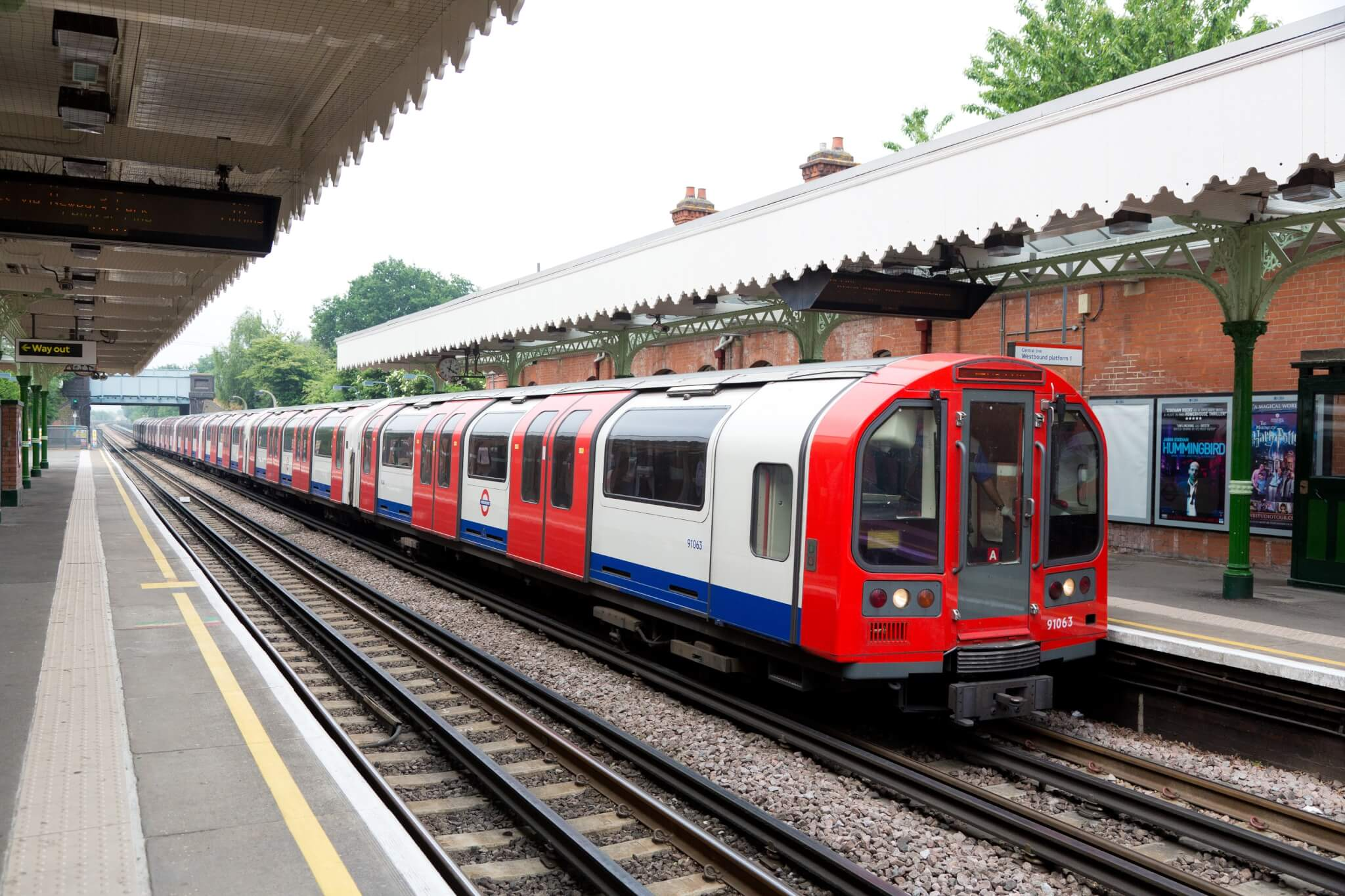 Train Lever In Lodon : London underground s central line trains set for upgrade