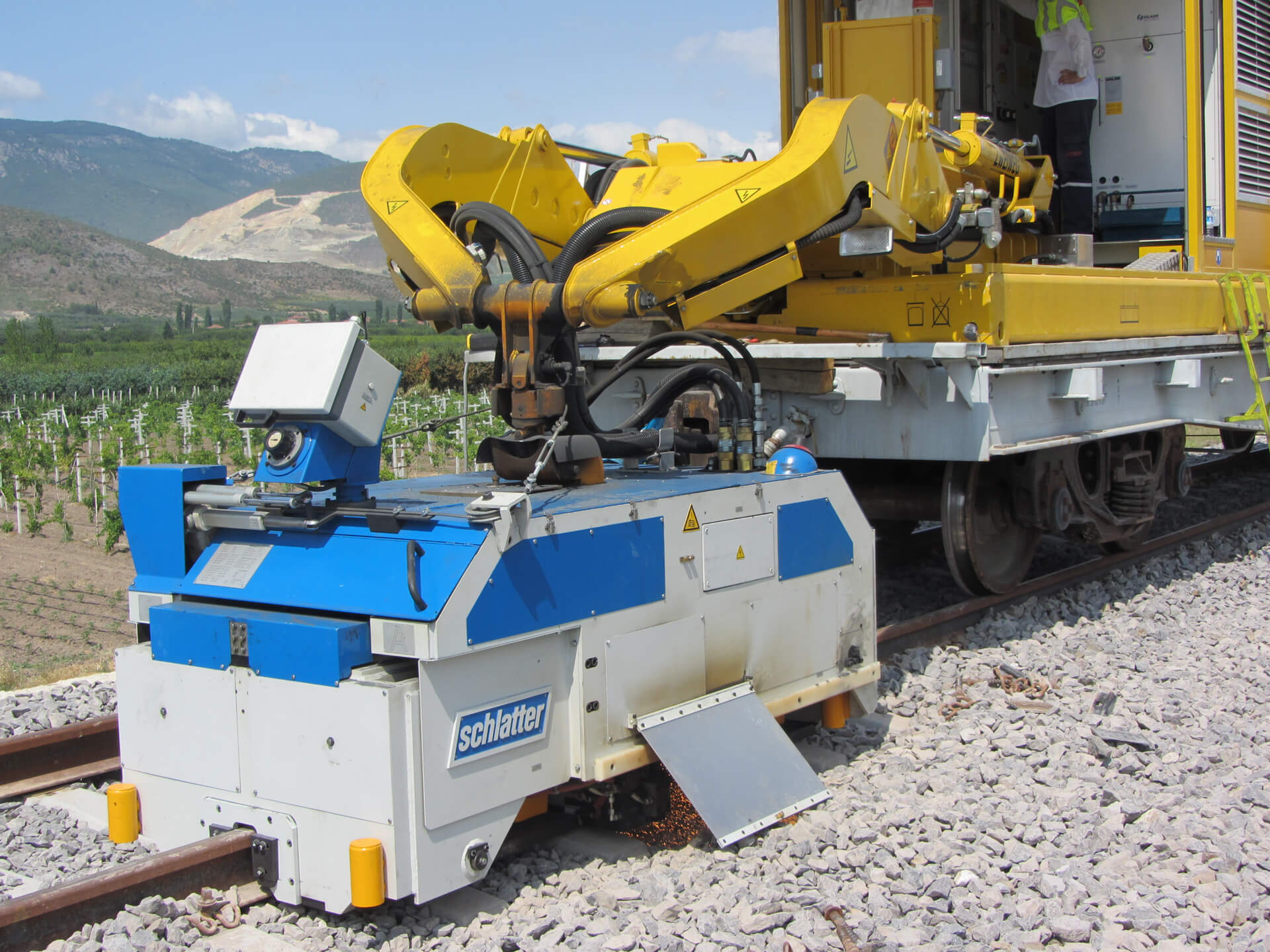 Mobile Rail Welding Machine AMS60 for high-quality alignment