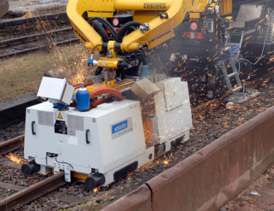 Mobile Rail Welding System AMS200 for Closure Welds and Distressing