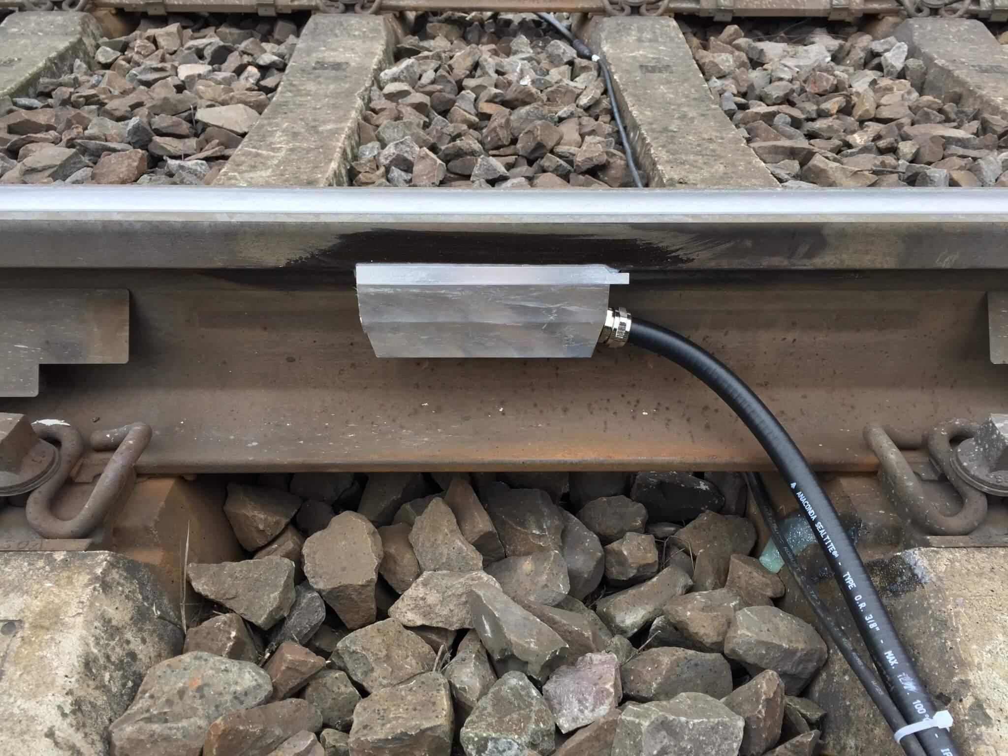 Vibration Detection Unit (VDU) installed on the rail