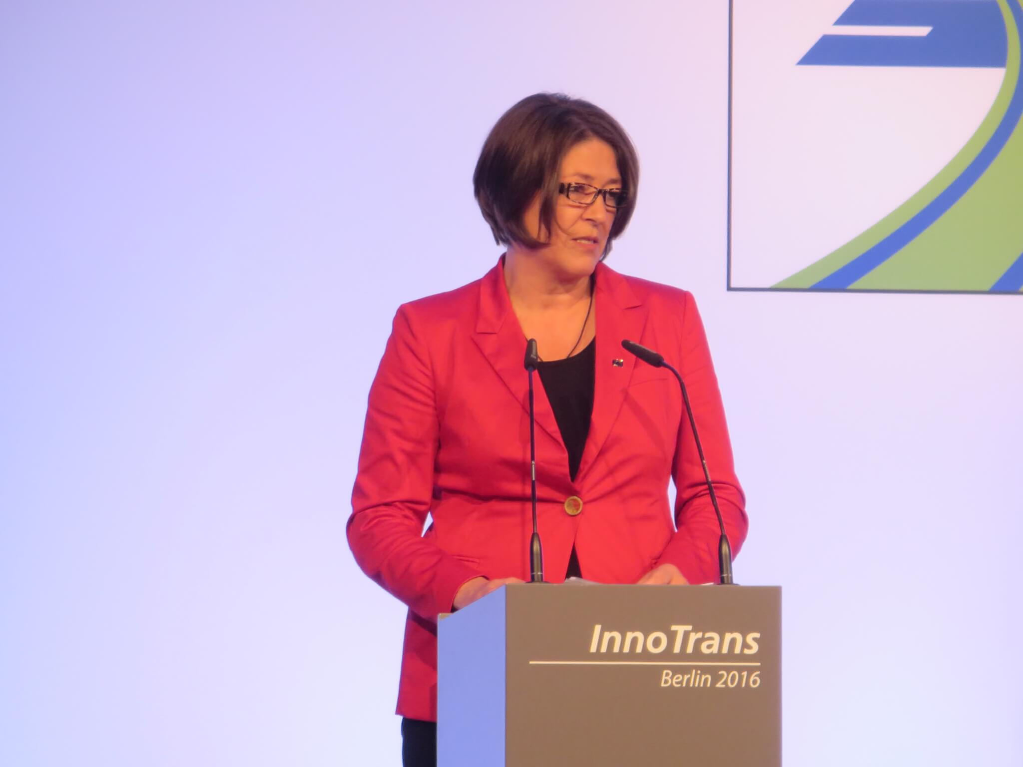 Violeta Bulc will present Shift2Rail awards at InnoTrans 2018
