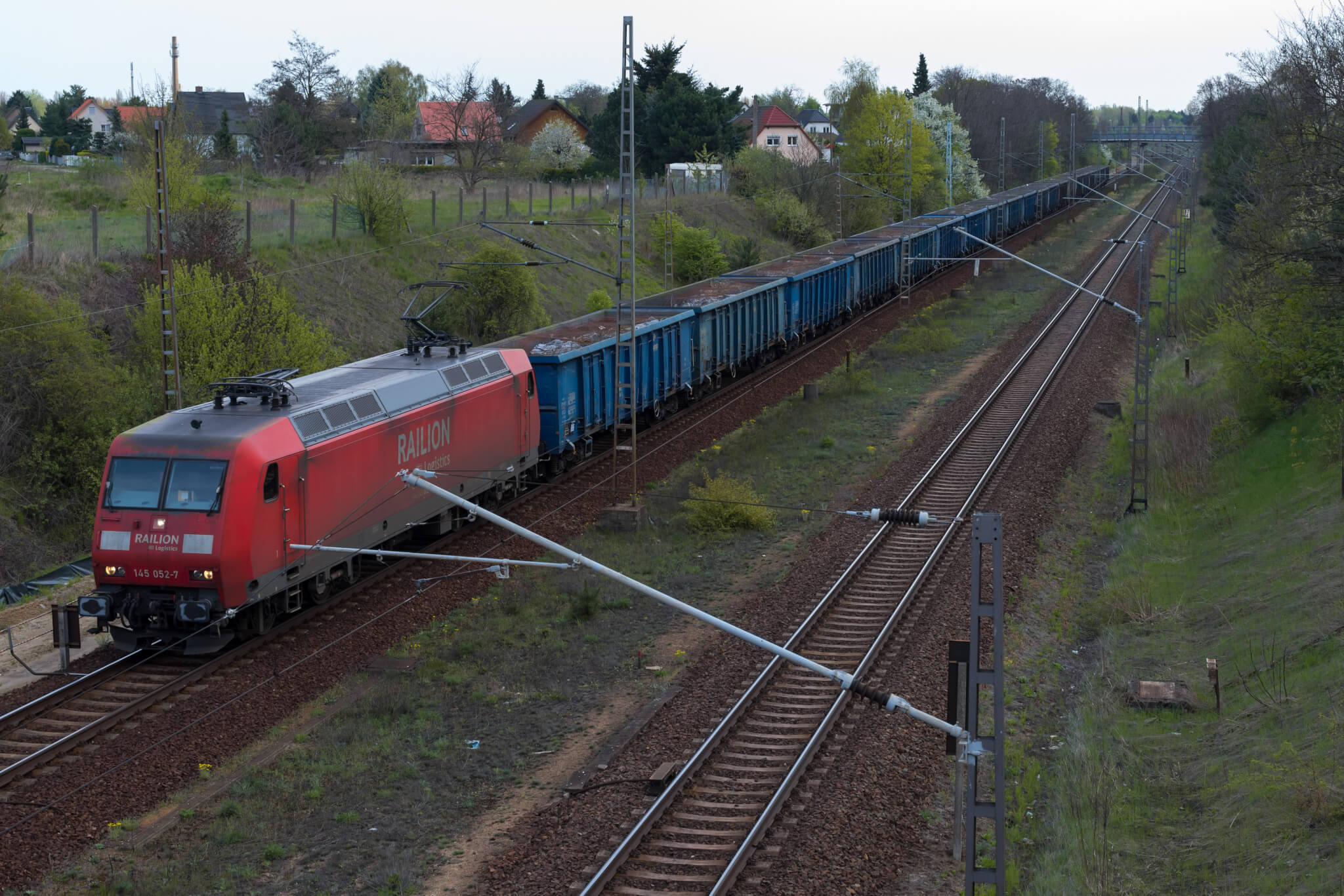 Strengthening European-Asian rail freight: a DB Cargo train