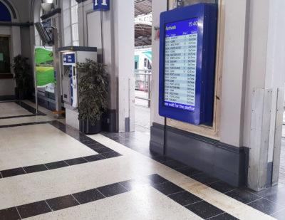 Daktronics Irish Rail Dublin Ireland 55-TFT-LCD