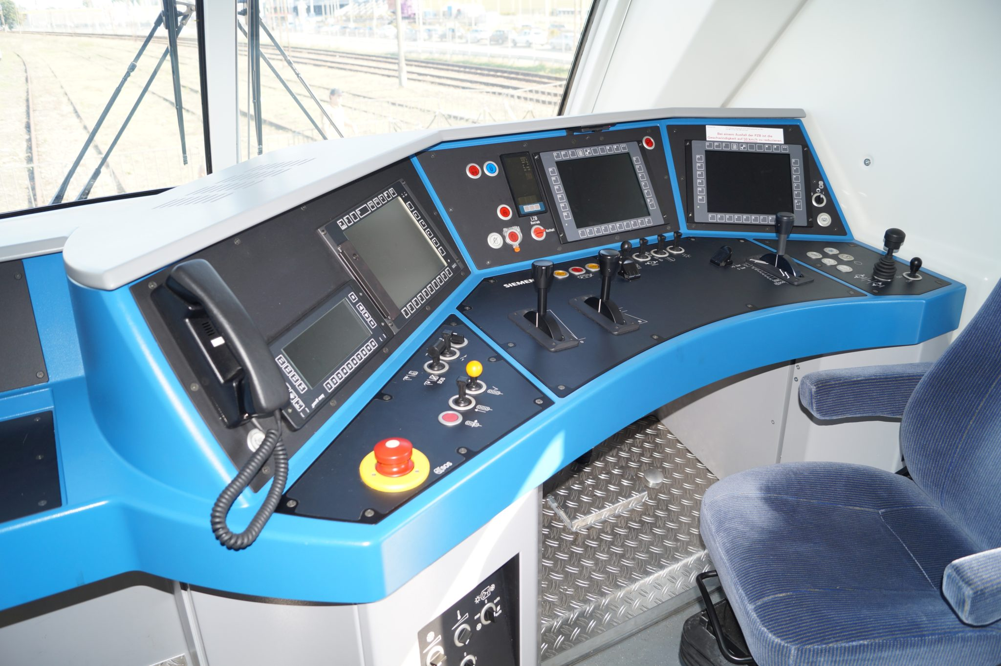 500 Siemens Vectron locomotives now feature Alstom's Atlas 200 European Train Control System