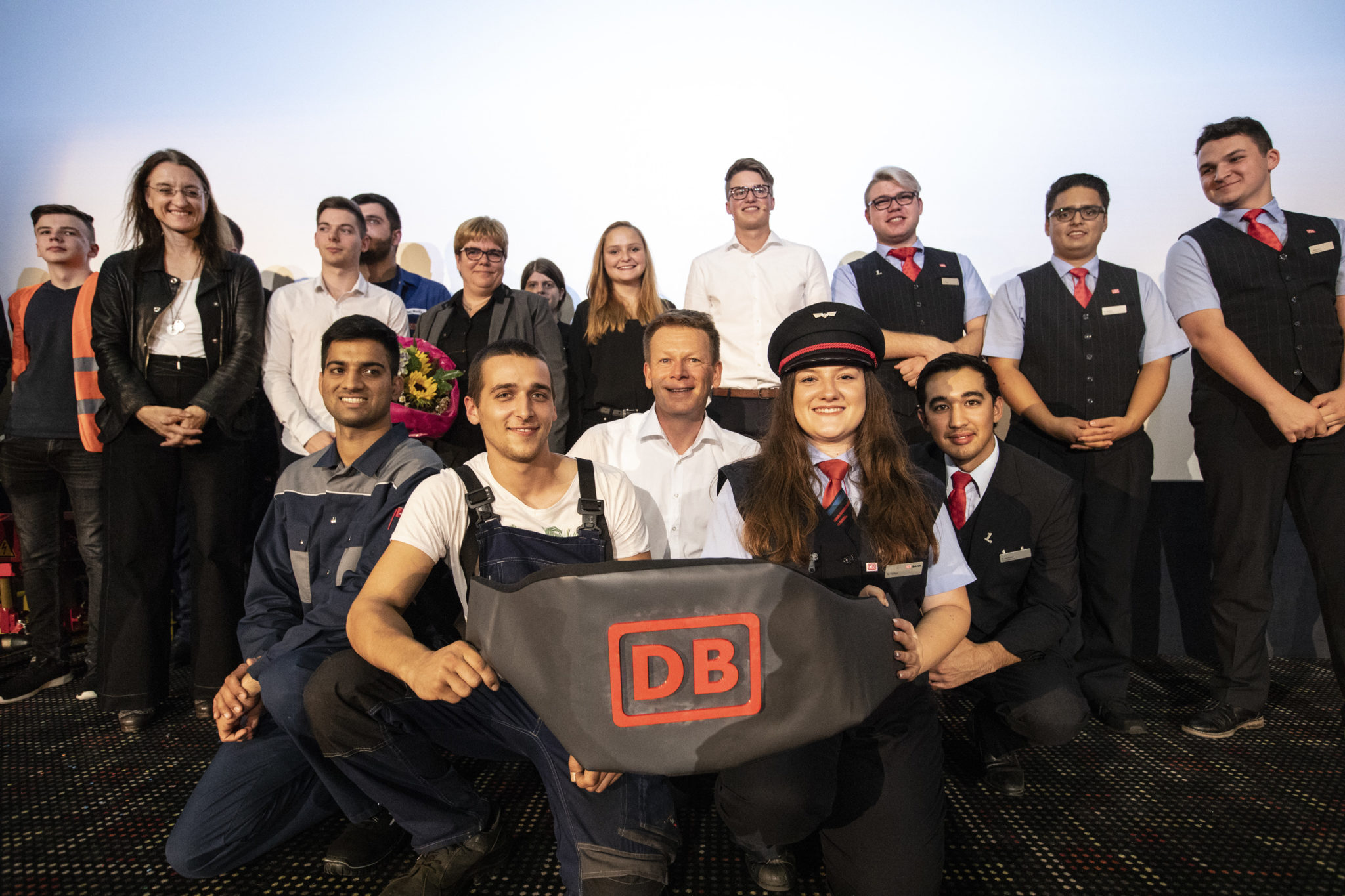 Deutsche Bahn wants to hire 22000 employees in 2019