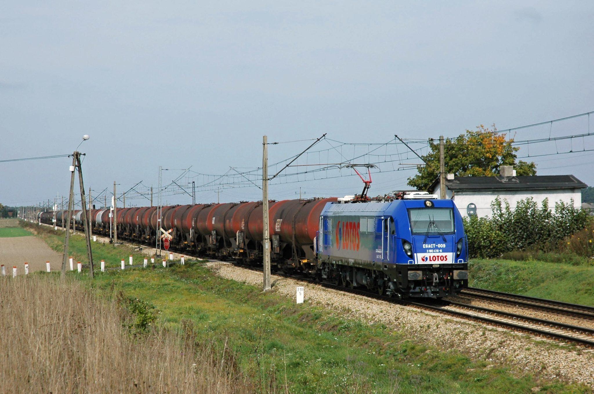 Newag electric locomotives - a Dragon 1 for Lotos Kolej