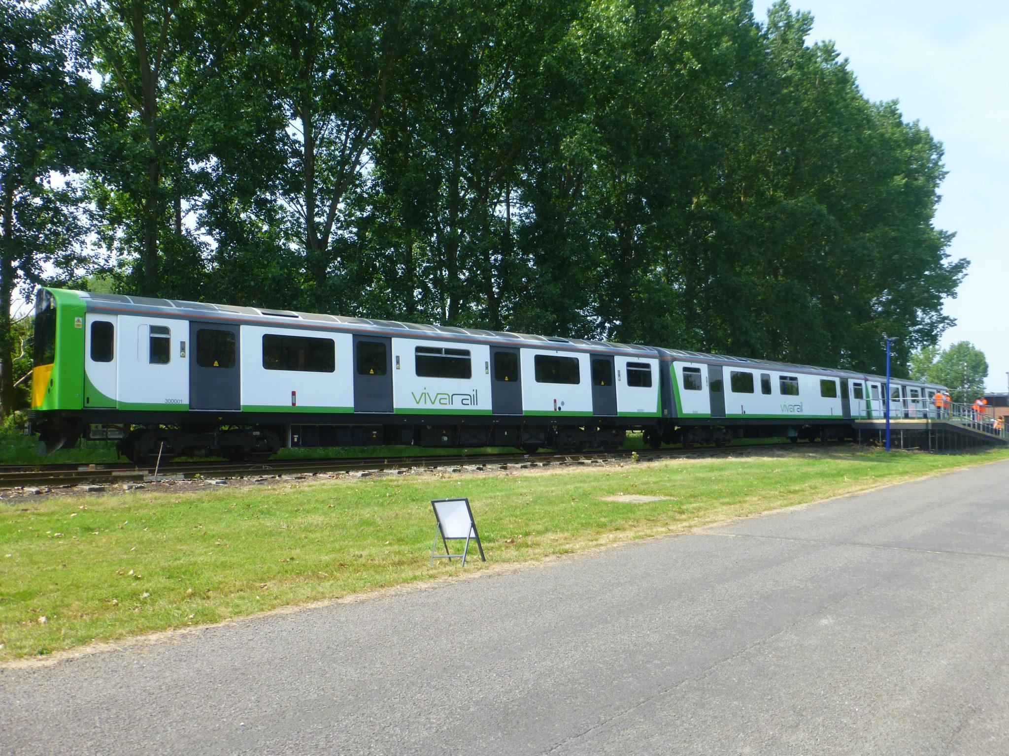 Vivarail's D-train with Vivarail fast charging system