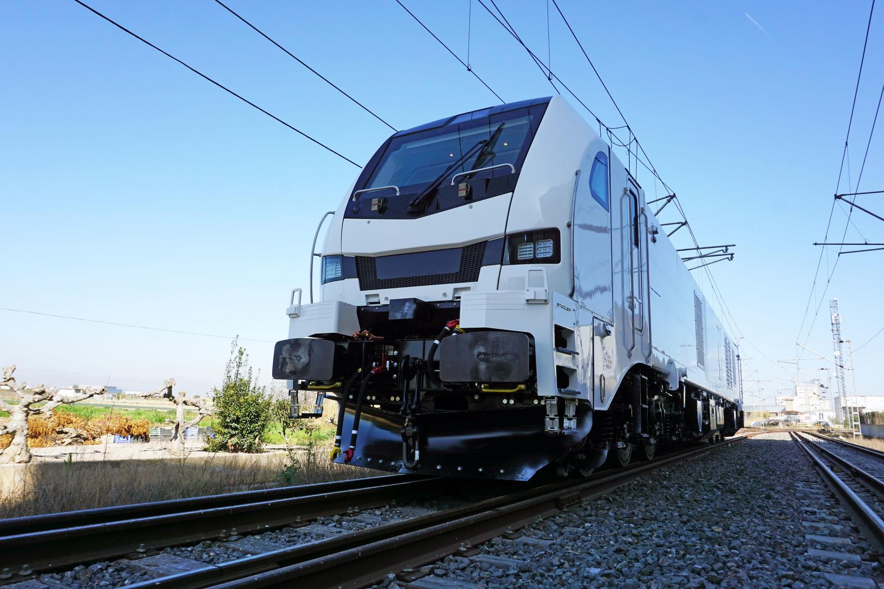 Stadler's Euro Dual Locomotive for ELP