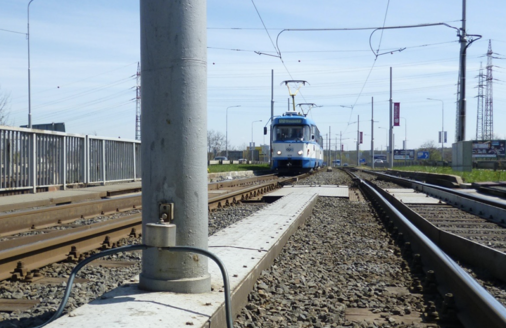 All-Purpose Voltage Limiter for Railway Applications