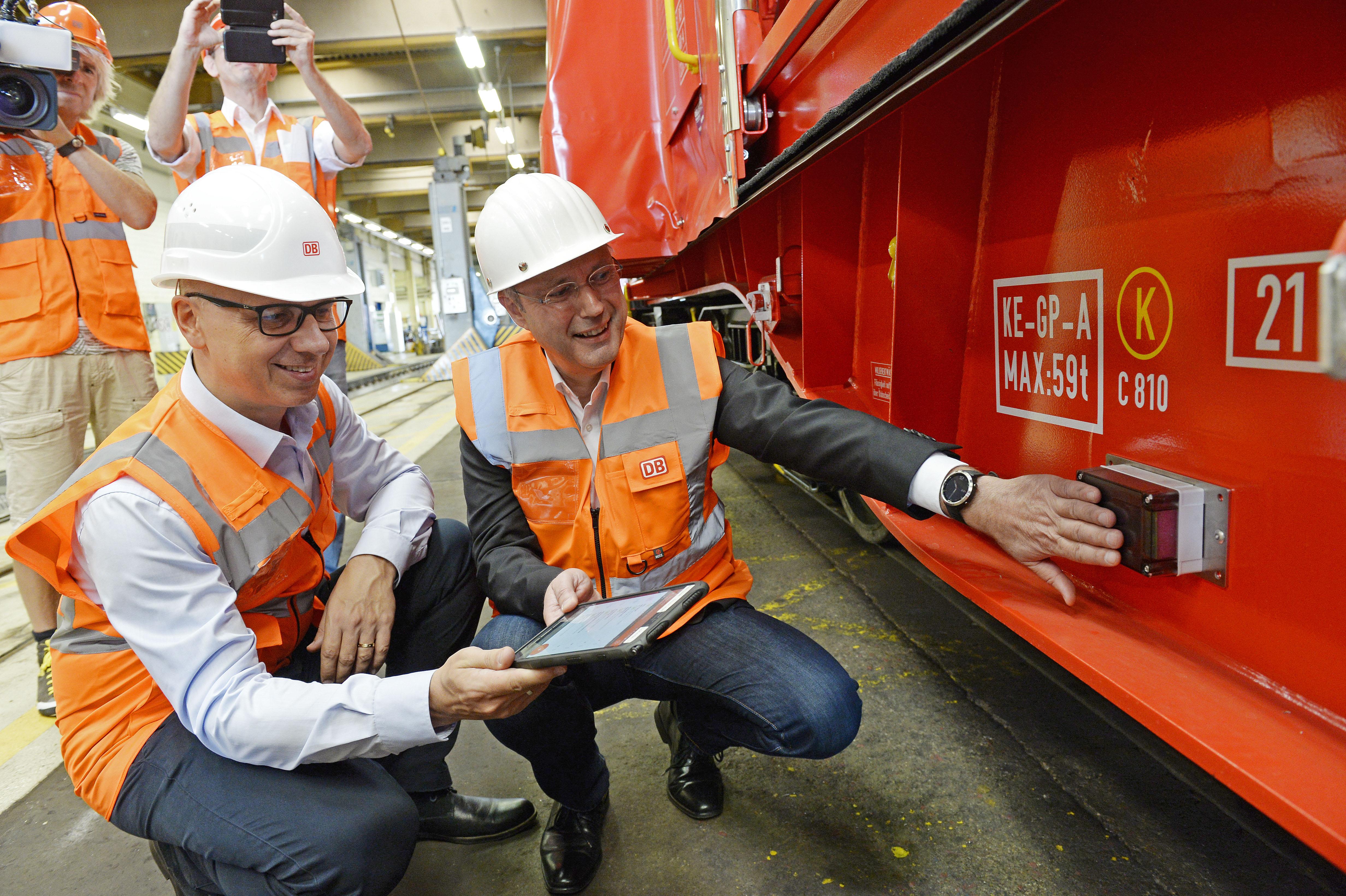 DB Cargo digital intelligent freight car