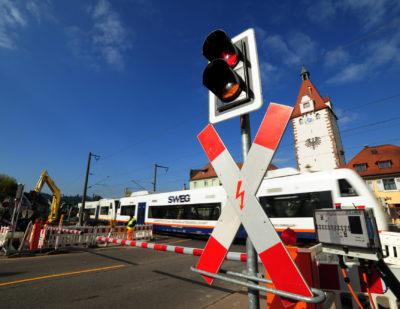 Zoellner Level crossing