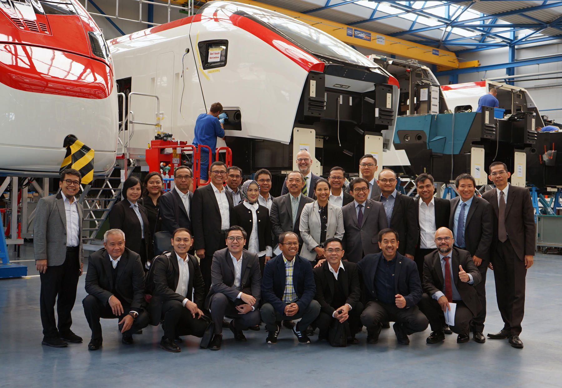 Indonesian delegation visits Stadler facilities