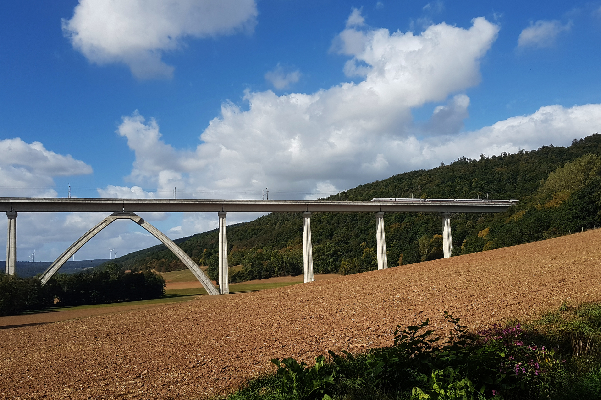 Deutsche Bahn white rails test bridge