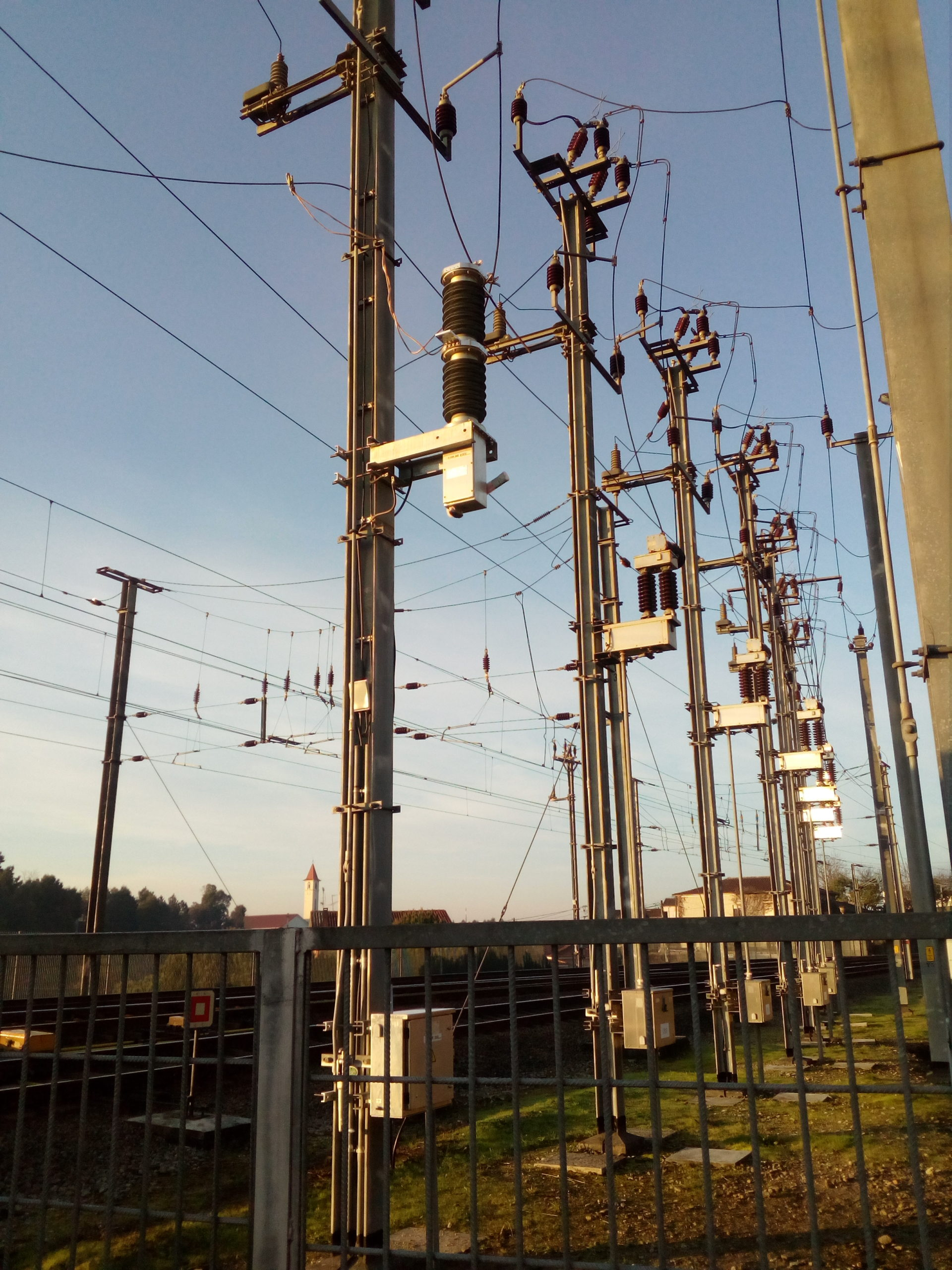 Single VSV at catenary level in Portugal on IP line
