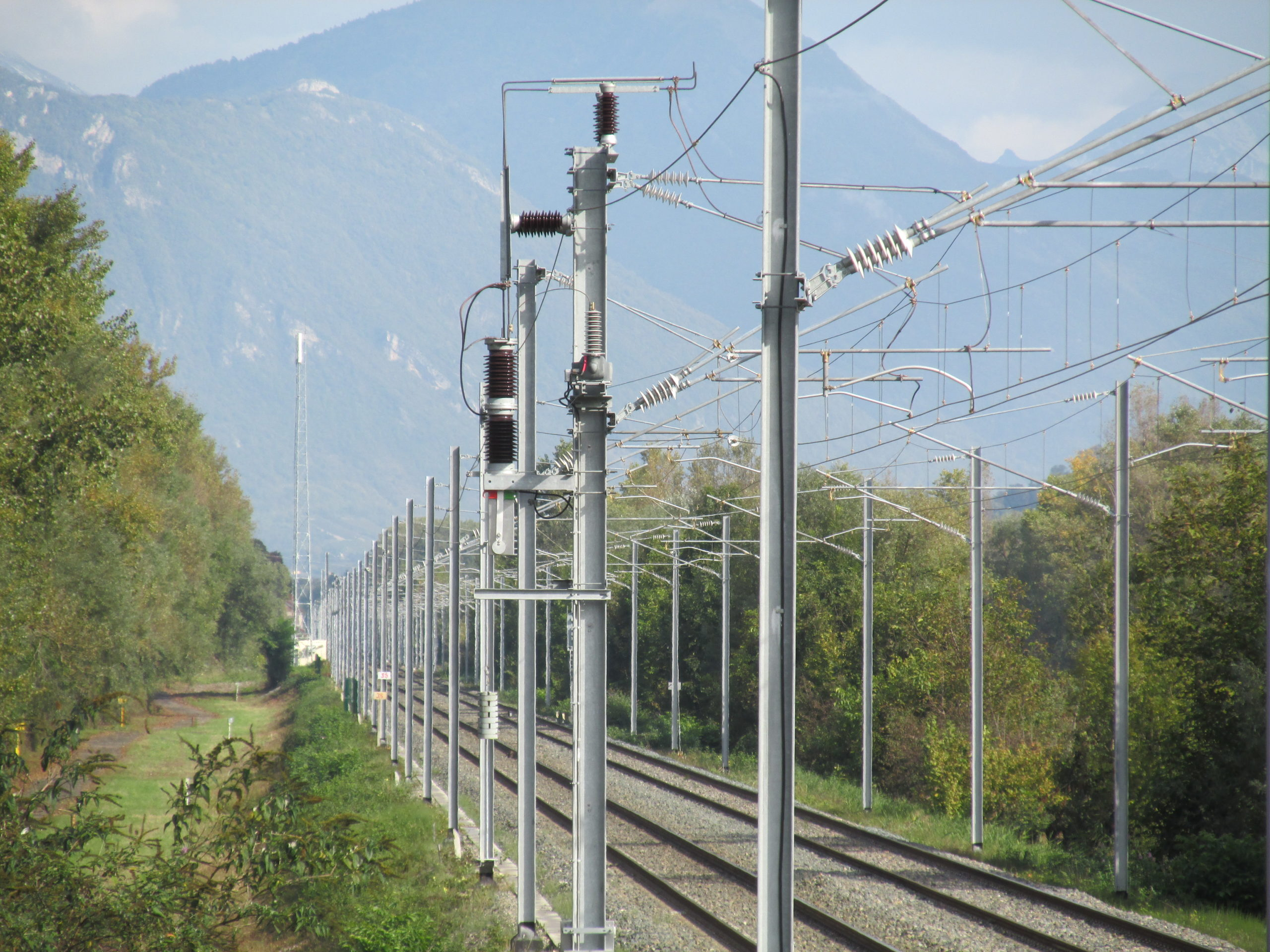 Single VSV at catenary level on SNCF line
