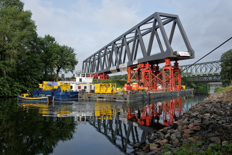 DB Netz infrastructure investment: new bridge