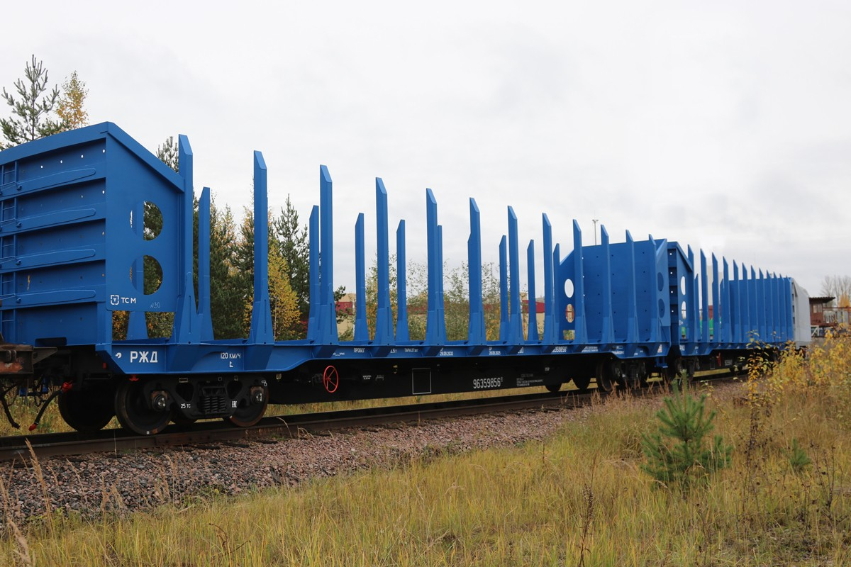 UWC flat car for leasing company Dessa for the transportation of timber