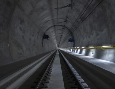 Passenger Train in Ceneri Base Tunnel Evacuated