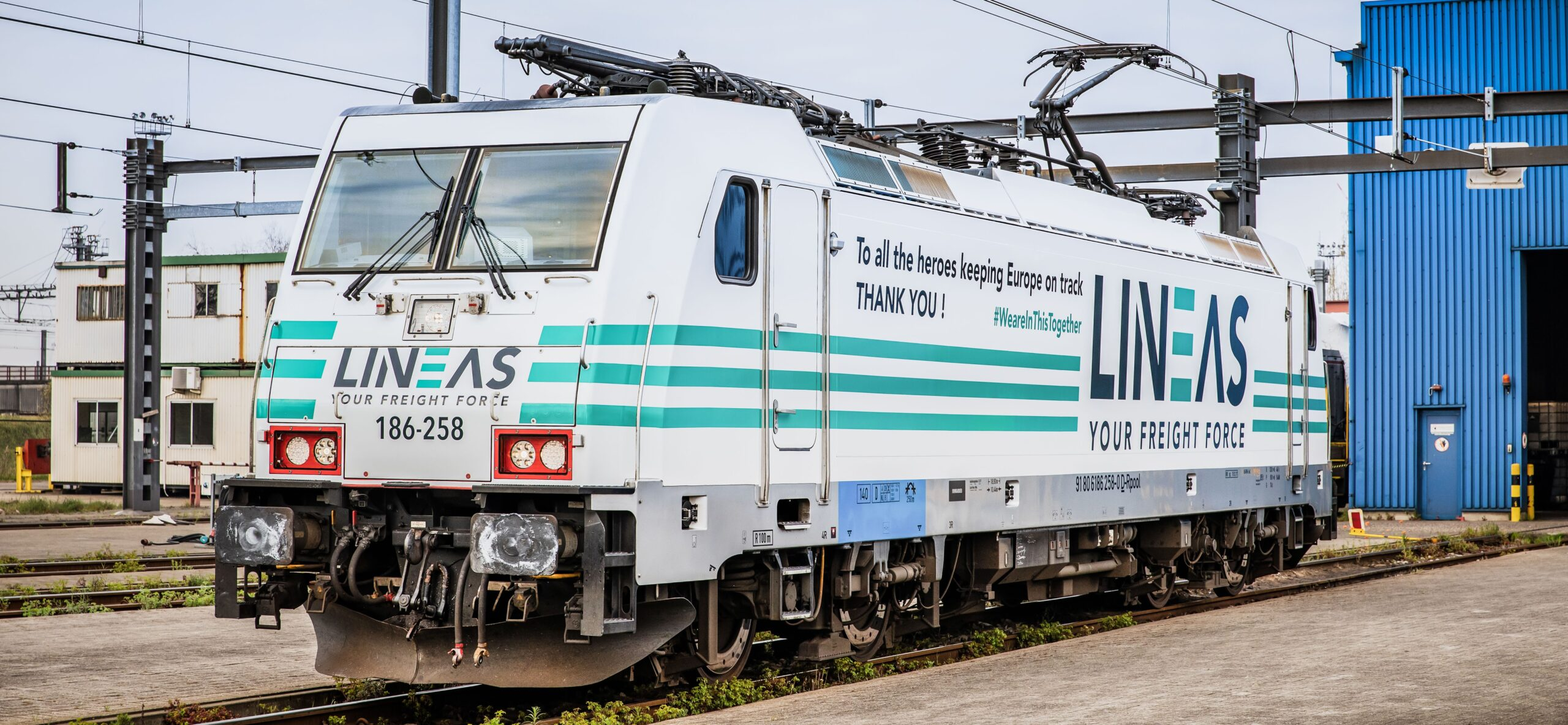 Lineas white coronavirus locomotive