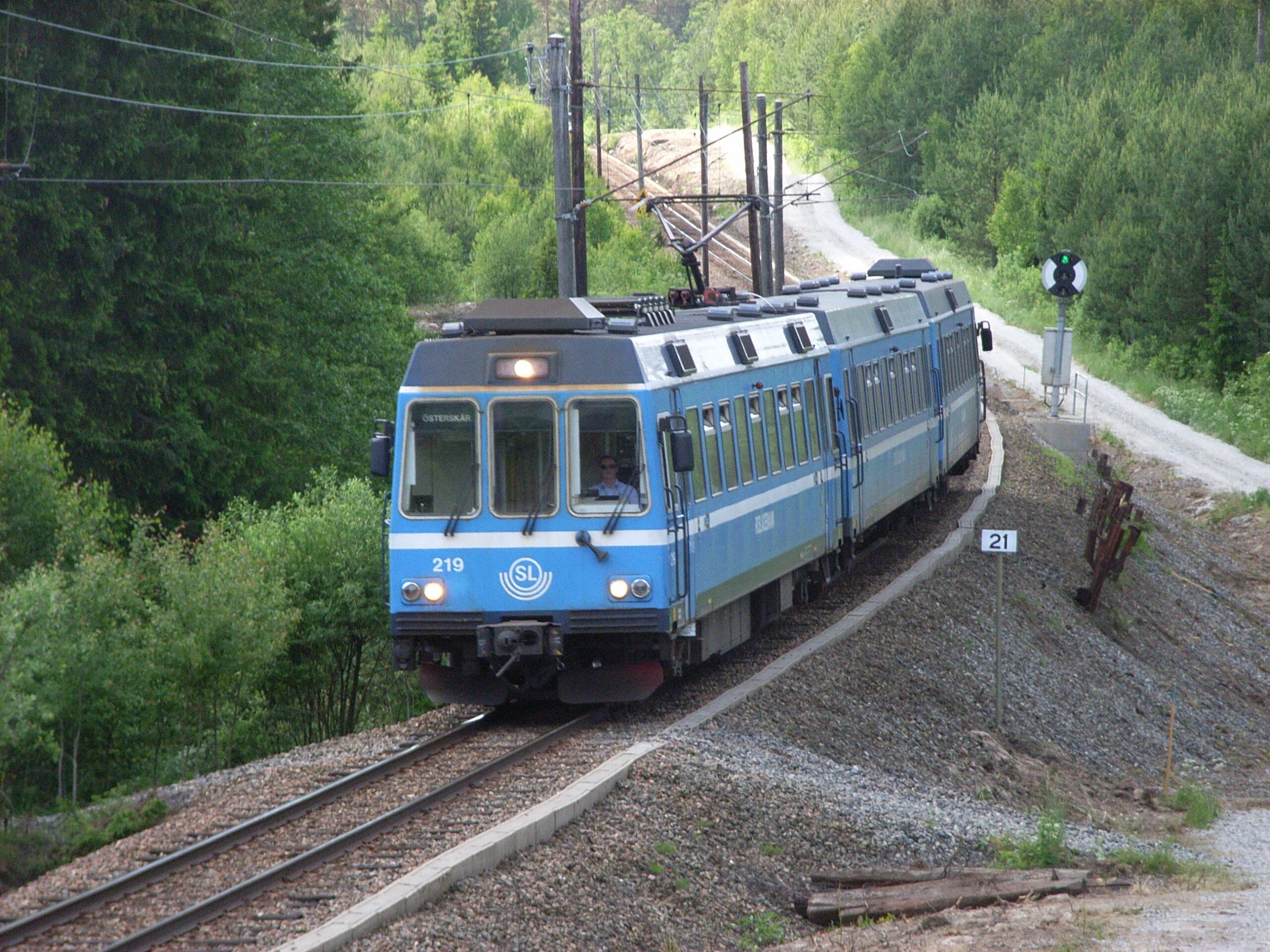 A train on the Roslagen rail network