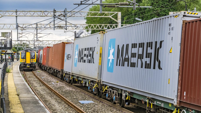 Dynamic Train Planning