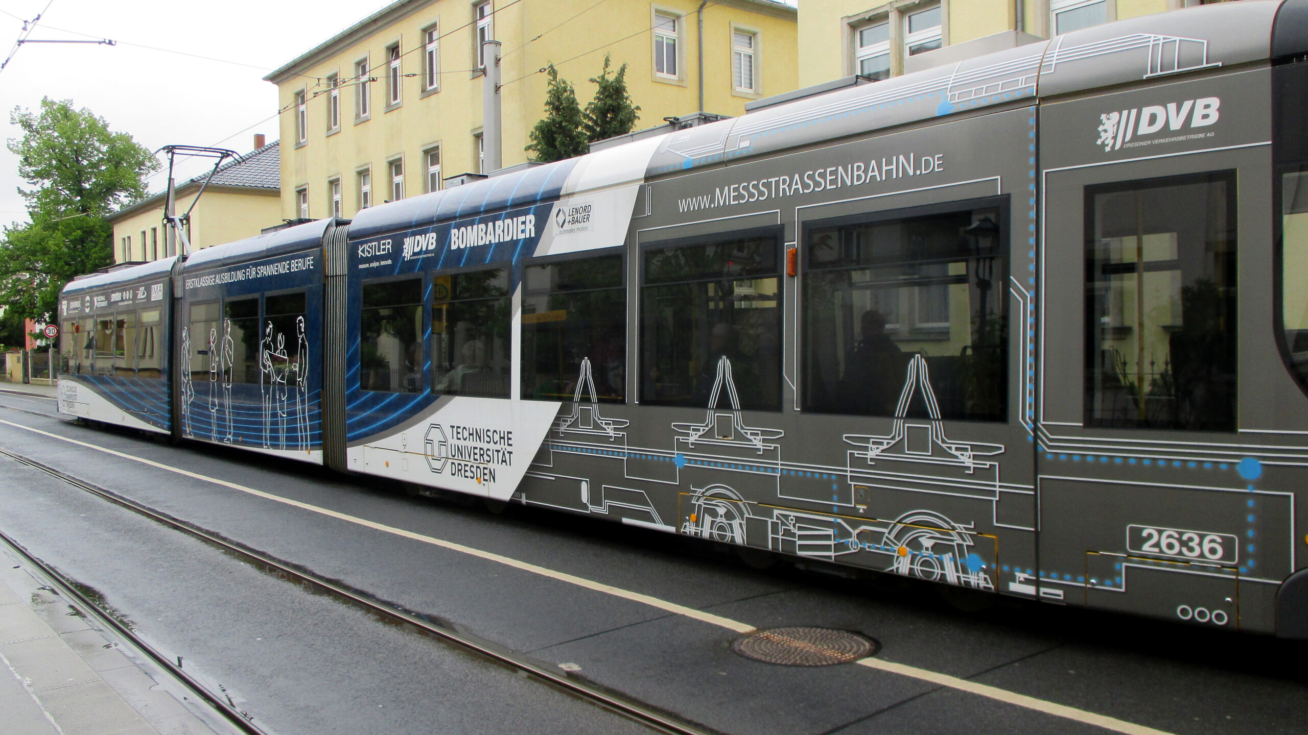 Dresden tram in TU Dresden livery