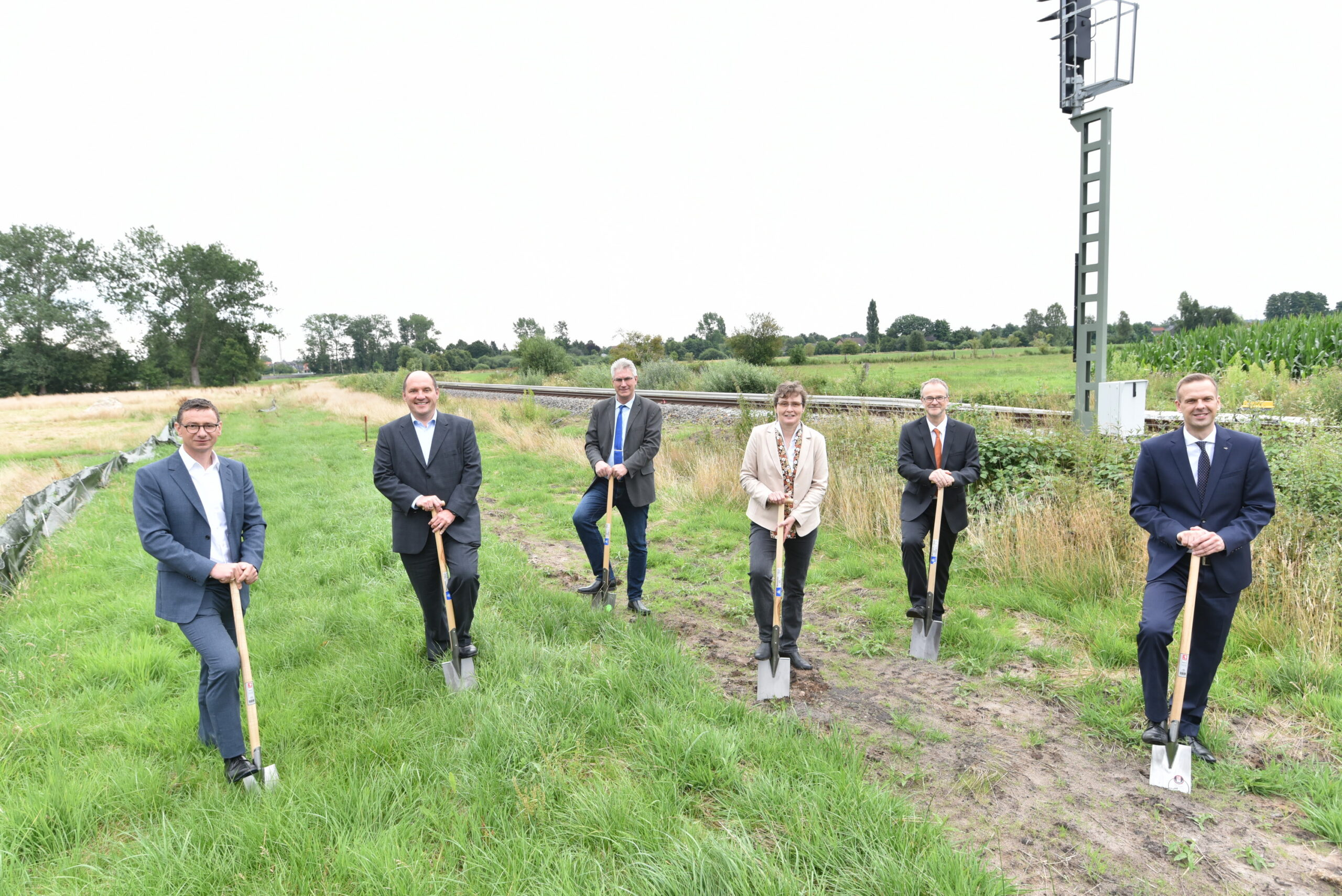 Ground-breaking ceremony for hydrogen filling station