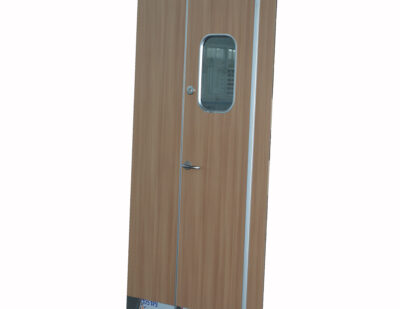 Linsen Cabin Room Door