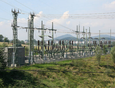 HS2 Begins Search for High-Voltage Power Supply Systems Contractor