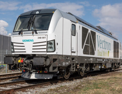 Germany's Federal Railway Authority Approves Dual Mode Vectron Locomotive
