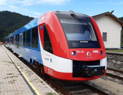 OEBB and Alstom Test Hydrogen Train in Passenger Service in Austria