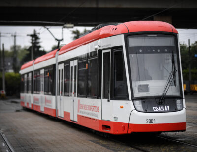Bombardier Delivers First FLEXITY Tram to Duisburg