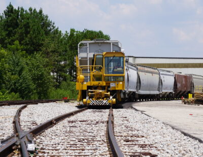 Global Railcar Mover Group Expands the Definition of Safety