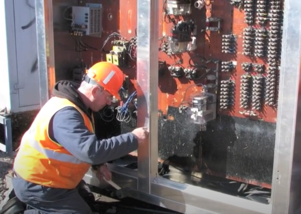 Innovative Patented System To Replace Signal Cabinets