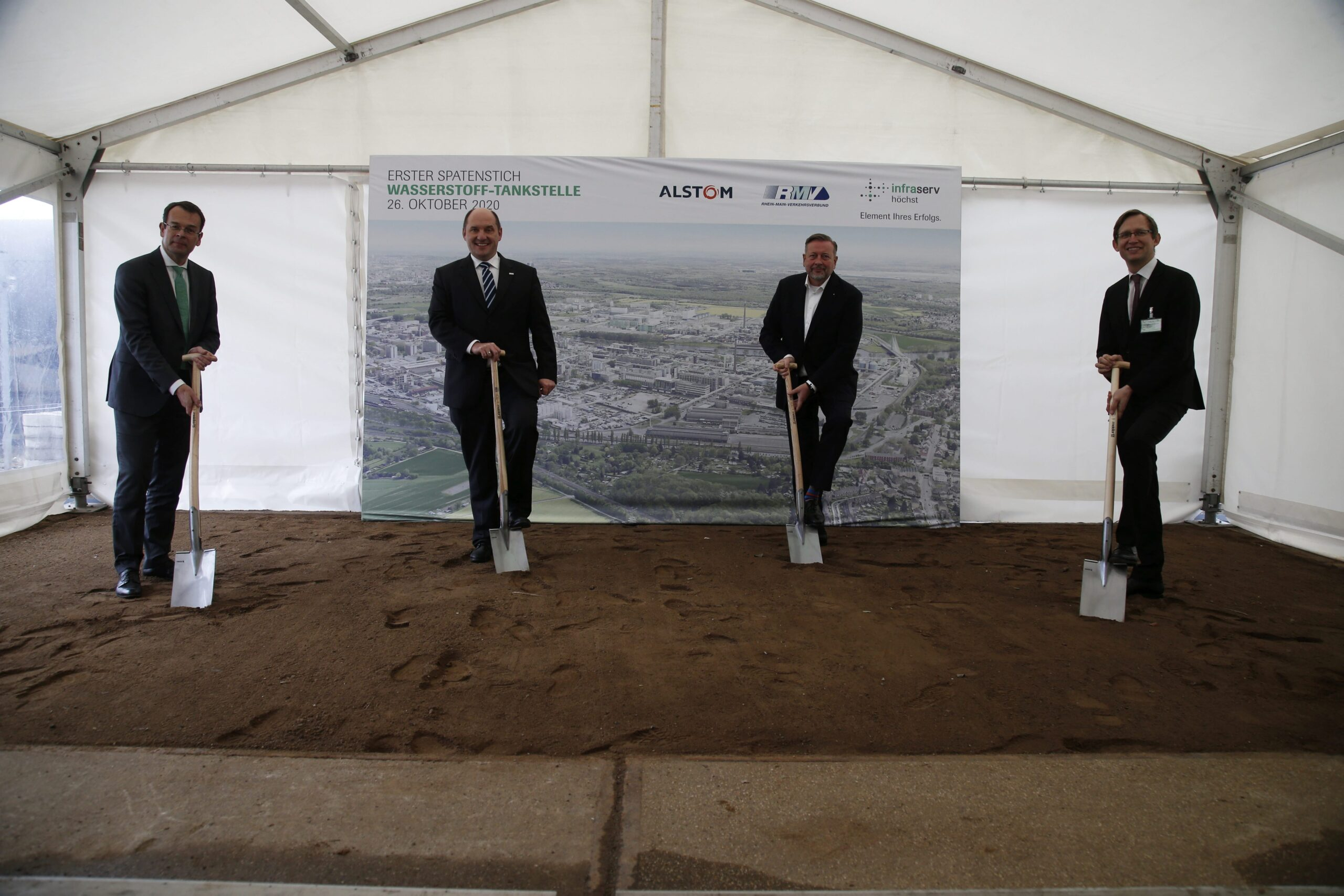 Ground-breaking for hydrogen refuelling station for passenger trains in Hesse, Germany