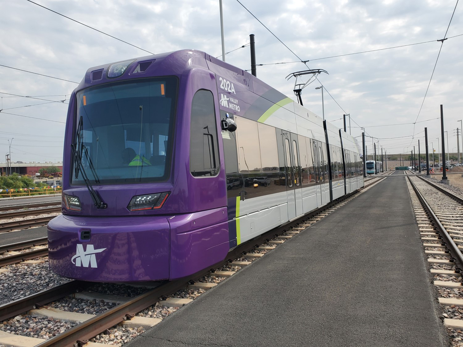 A Siemens Mobility S700 light rail vehicle for Valley Metro, Phoenix