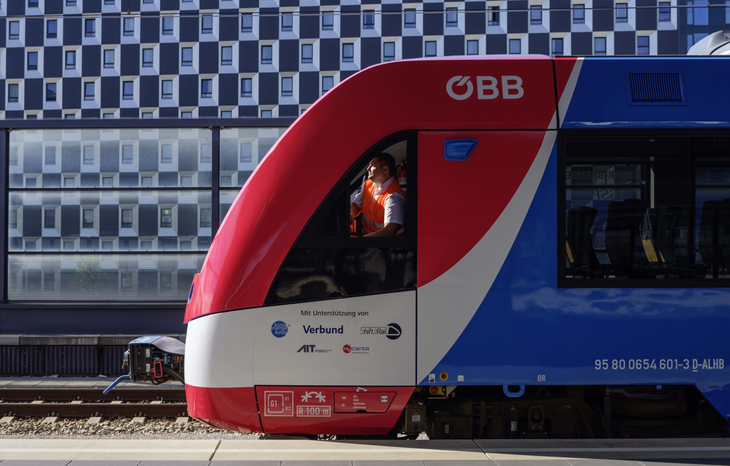Alstom Coradia iLint hydrogen train for Austria