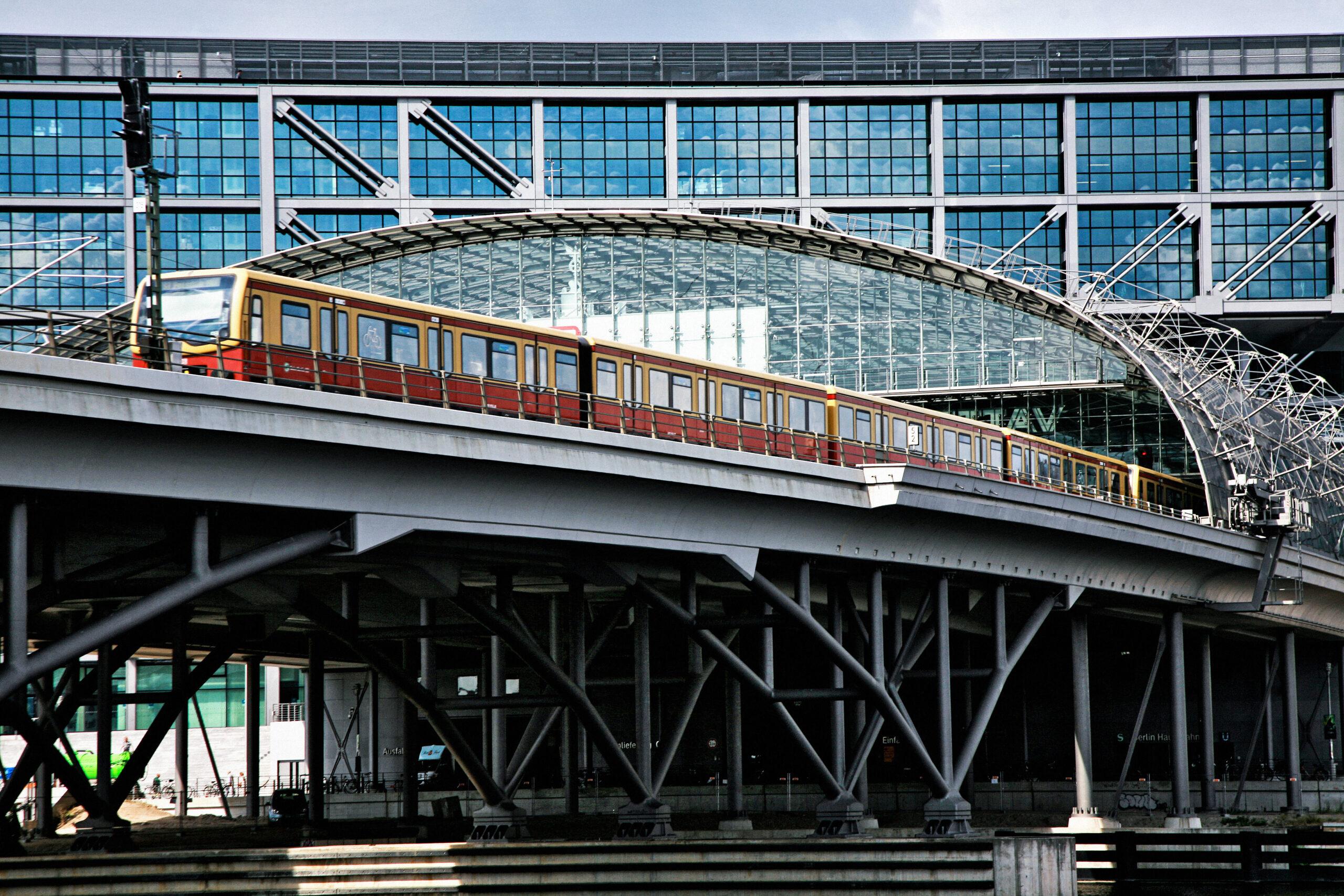 S-Bahn Berlin departing Berlin Central Station