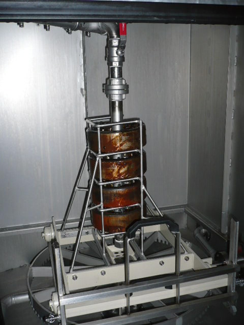 Intensive internal cleaning of wheel bearings