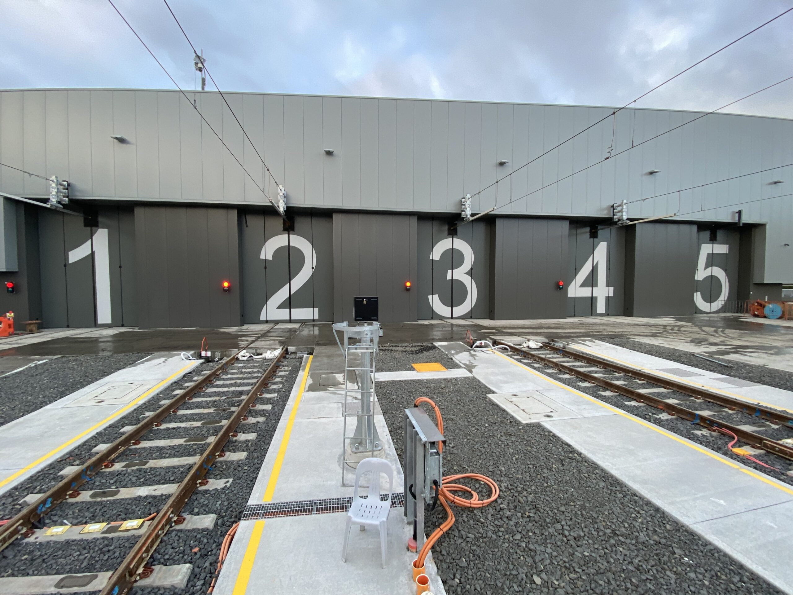 New Intercity Fleet Maintenance Facility in Kangy Angy, NSW Australia – 10 sets of our Swift-SEW electric bi-folding doors - 2020