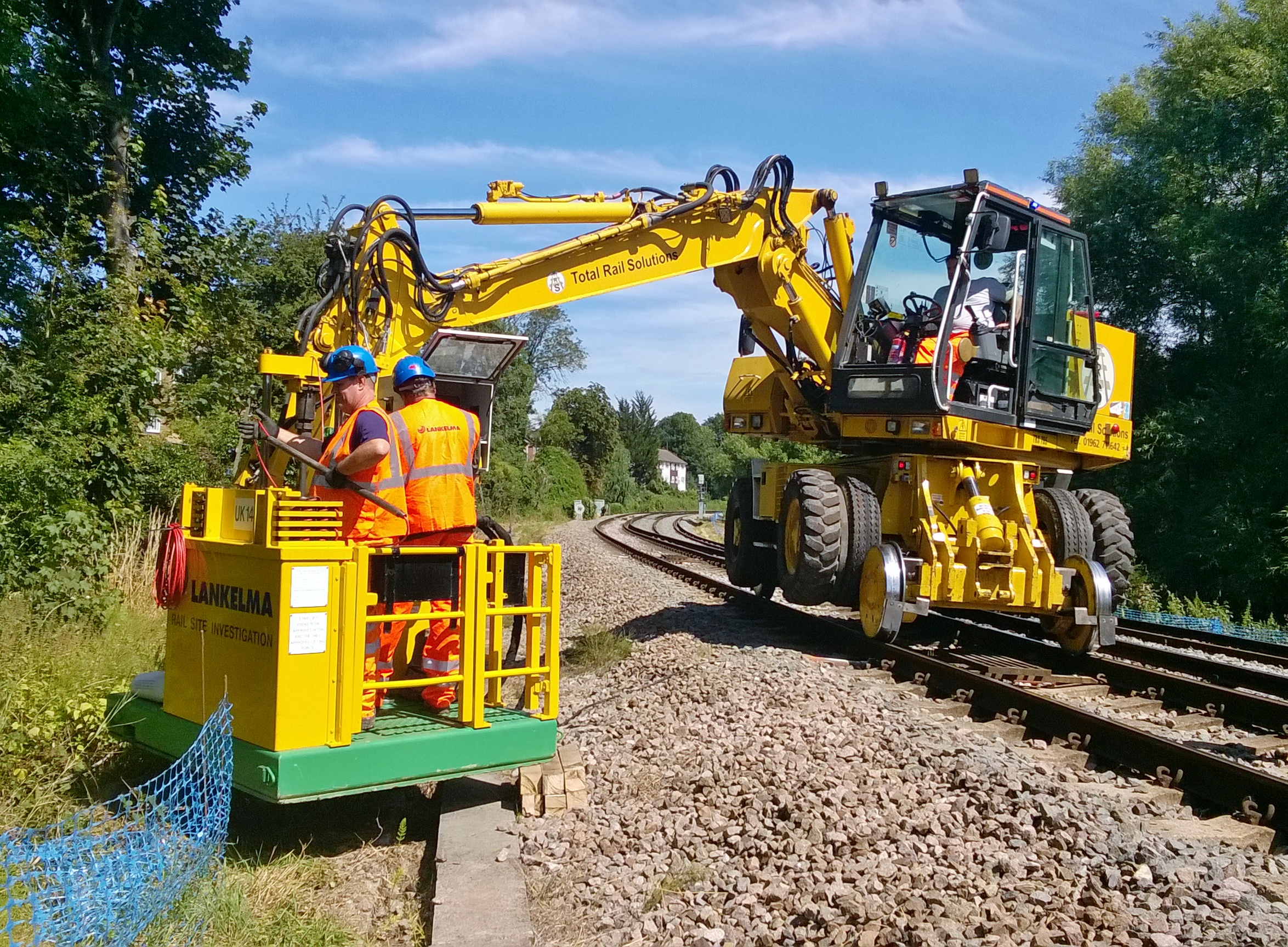 Lankelma's excavator mounted rail unit (UK14) can test all areas of the trackway